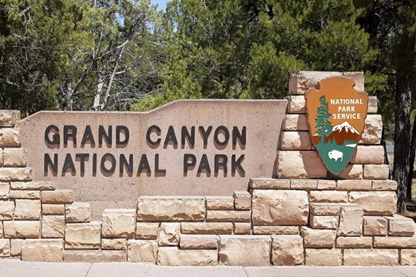 Grand Canyon South Rim Motor Coach from Las Vegas